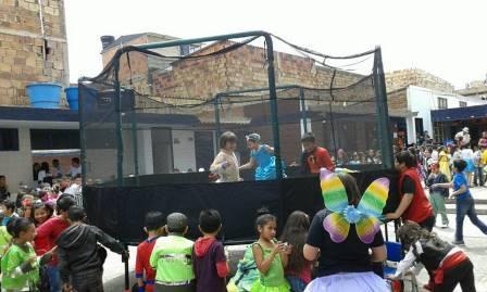 Alquiler De Saltarines En Bogota Saltarines Para Fiestas